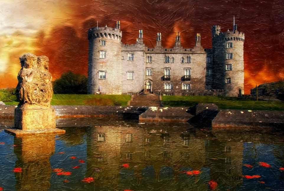 Замок Килкенни - главный символом города на берегу реки Нор.