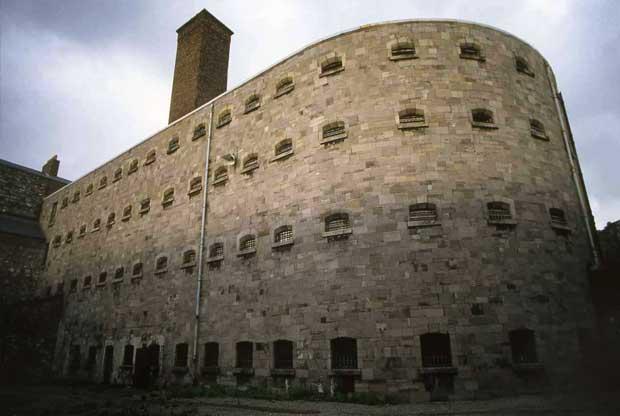 В период войны за независимость Ирландии (1919—1921), в тюрьме Килмэнхем содержались многие противники договора с Великобританией