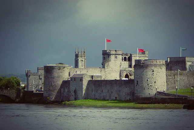 Замок Короля Иоанна Безземельного (King John's Castle)