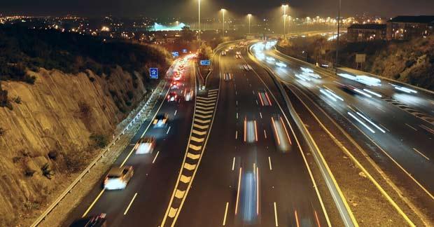 Ночной Дублин и его автомобильные магистрали