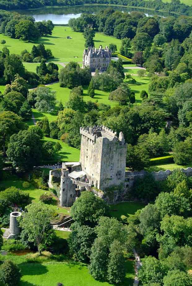 замок Бларни расположен недалеко от города Корк в Южной части Ирландии.