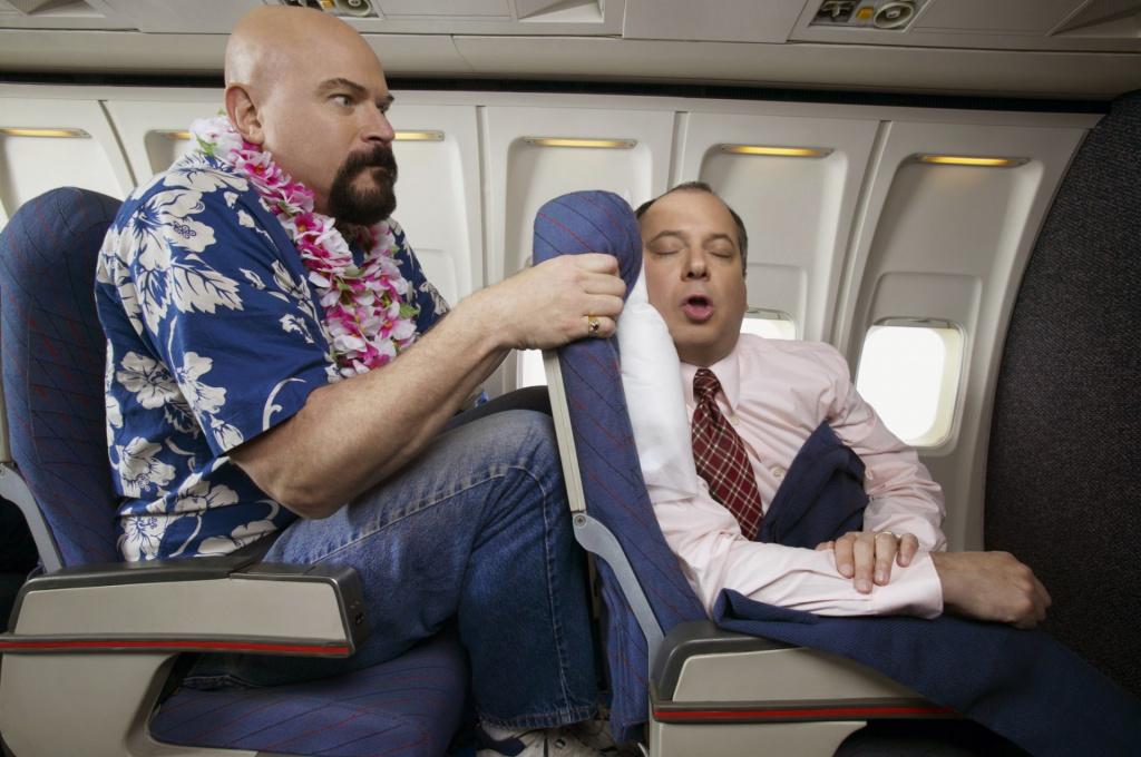 12 ситуаций в самолёте, с которыми вынуждены сталкиваться люди