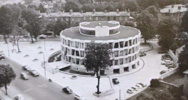 Здание посольства США в Ирландии