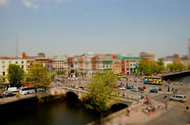 С таким эффектом улицы города Дублина выглядят по-новому.
