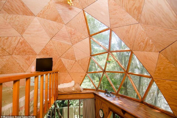 Самое популярное жилье Airbnb: домик в виде гриба