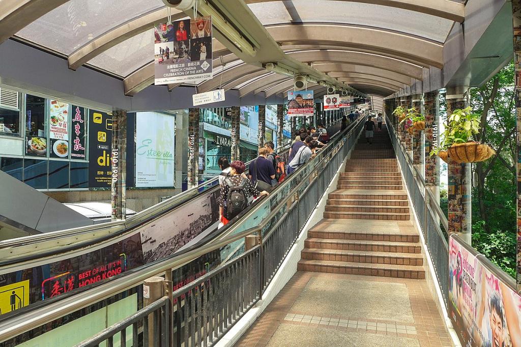 Mid-Levels: «уличный эскалатор»
