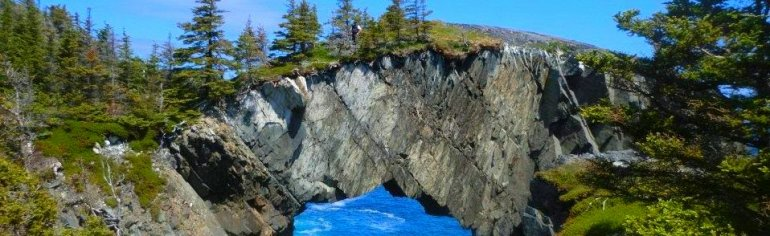 природная арка в Канаде