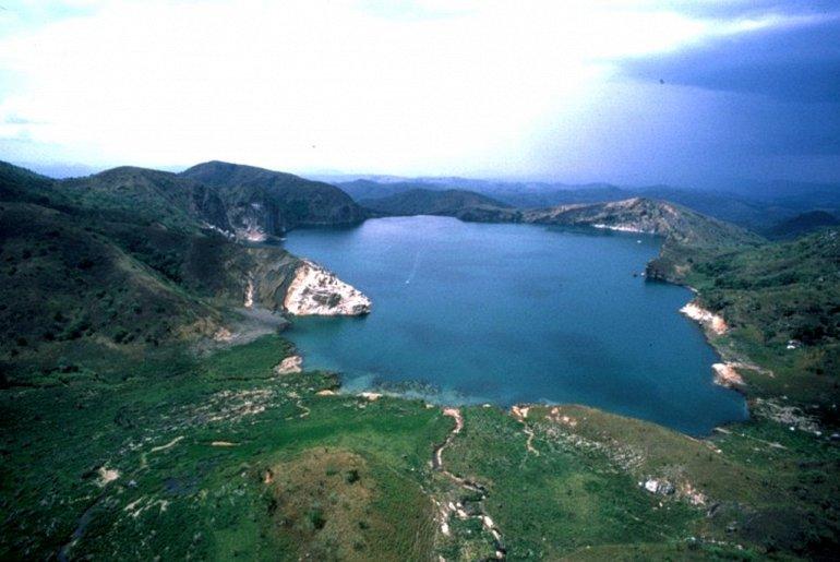 озеро ньос в камеруне