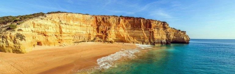 португальский пляж в пещере