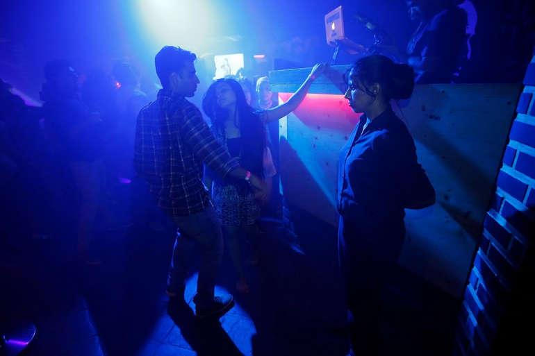 Вышибала в клубе в москве ночной клуб в жирновске