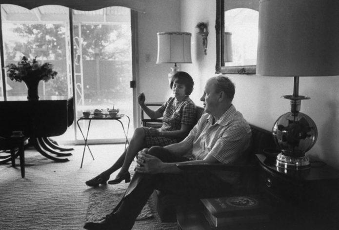 Родители Джуди, Генри и Луэлла Фэй, с облегчением обнаружили, что соседи сочувствуют судьбе Джуди. «У нас было много комплиментов из-за того, как мы столкнулись с проблемой», - сказала г-жа Фэй.