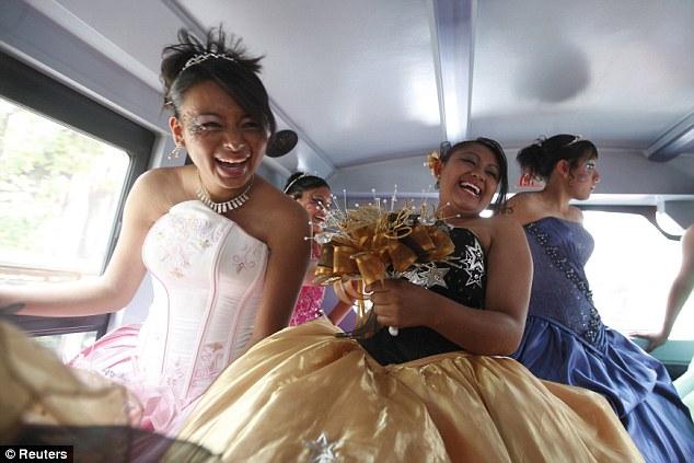 Кинсеанера: праздник пятнадцатилетия 2012 (Мексика)